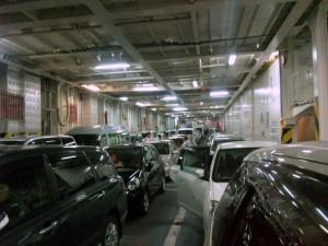 新日本海フェリー らいらっく 車両甲板